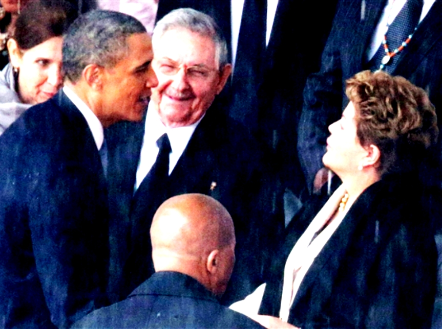 pb-131210-obama-castro-nj-01_photoblog600