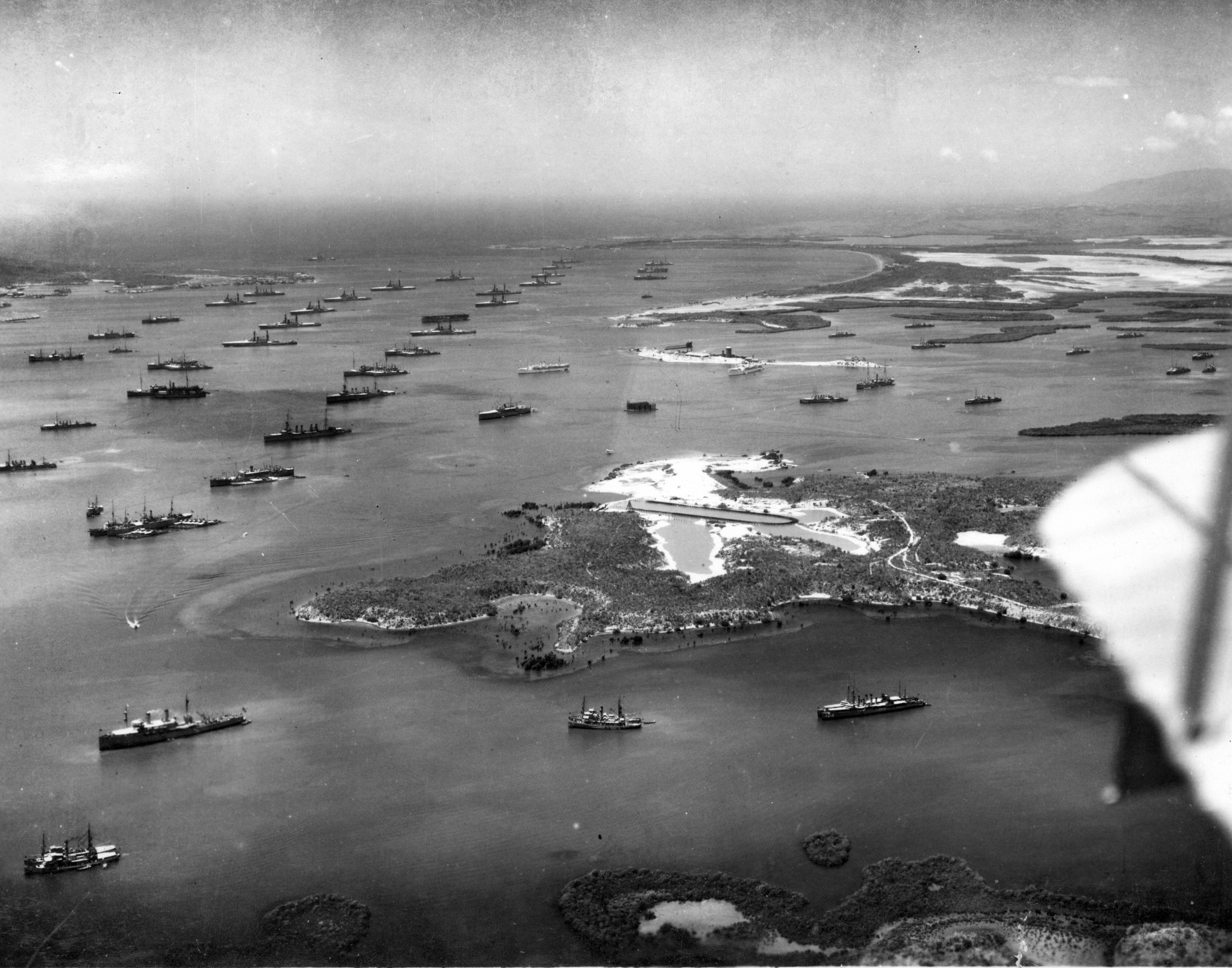 US_fleet_at_Guantanamo_Bay_1927