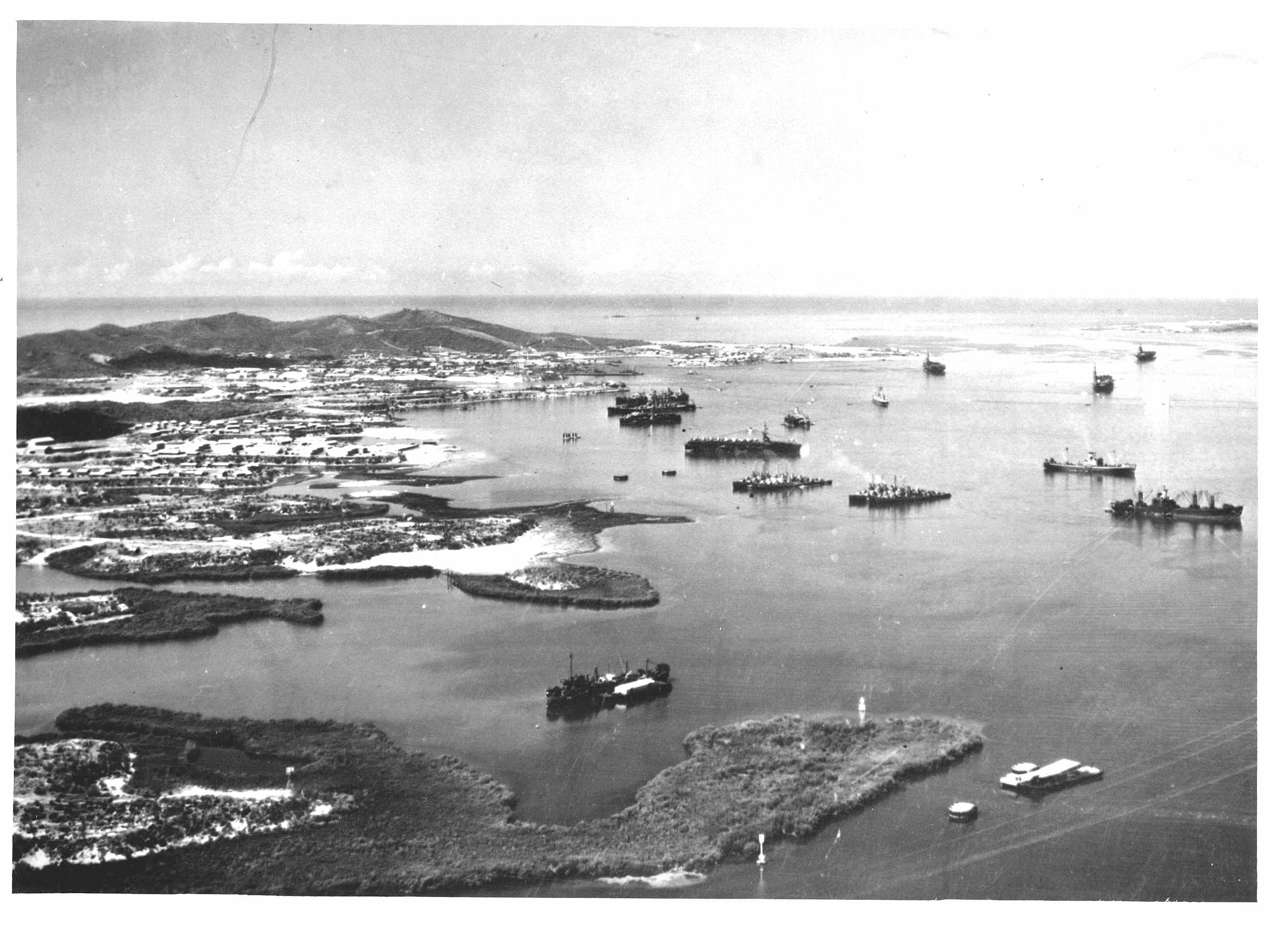 Aerial-view-bay-ships-bw