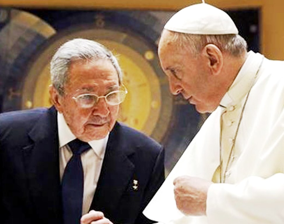 Raul-Castro-Pope-Francis