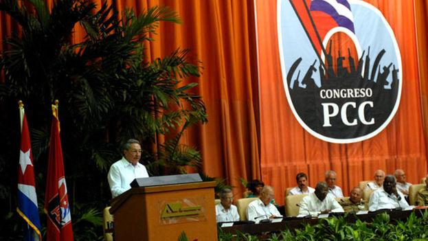 Castro-VI-Congreso-Partido-Comunista_CYMIMA20151220_0001_16-1